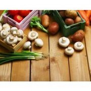 • Zubereitung eines vegetarischen 4-Gänge-Menüs unter fachmännischer Anleitung • Begrüßungsgetränk • Rat und Tat • Sämtliche Kochzutaten und Utensilien • Getränke (Softdrinks
